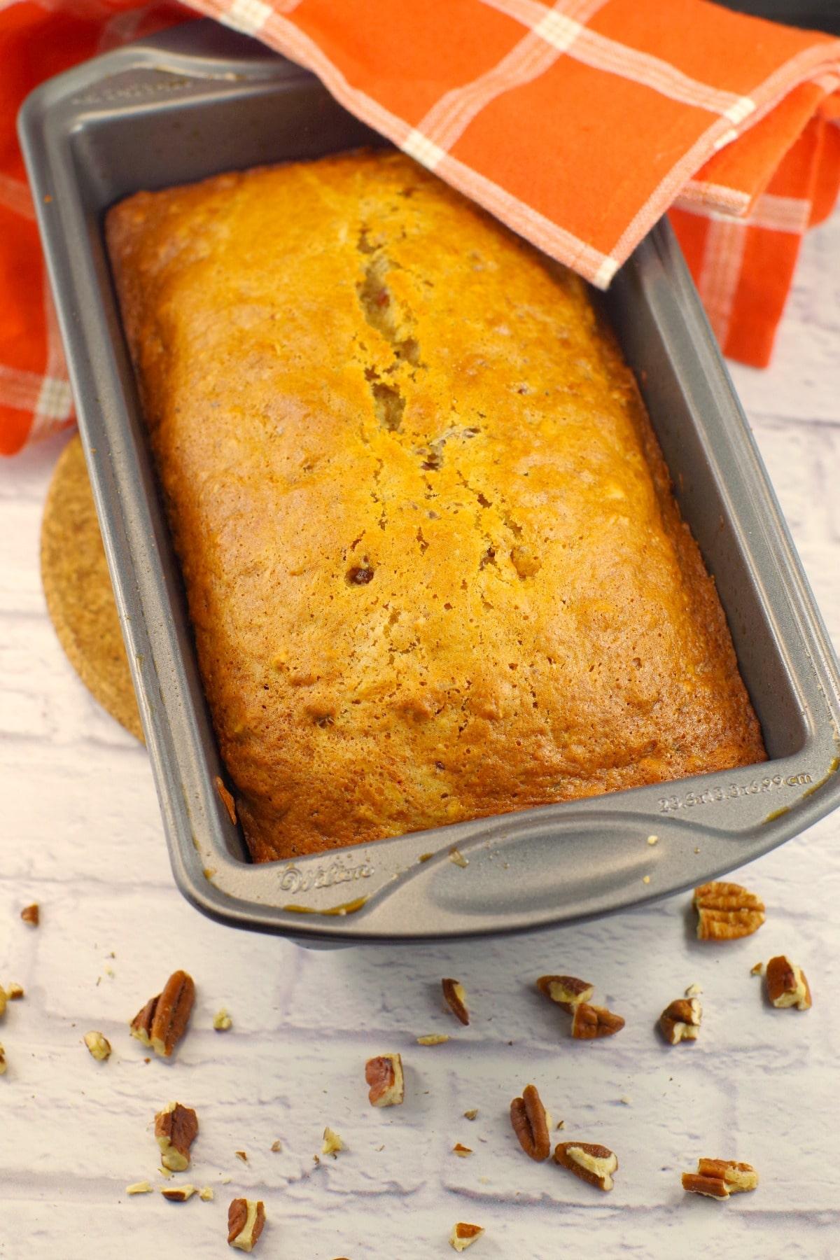 Old fashioned Date Nut Loaf | #dateloaf #oldfashioneddateloaf - Foodmeanederings.com