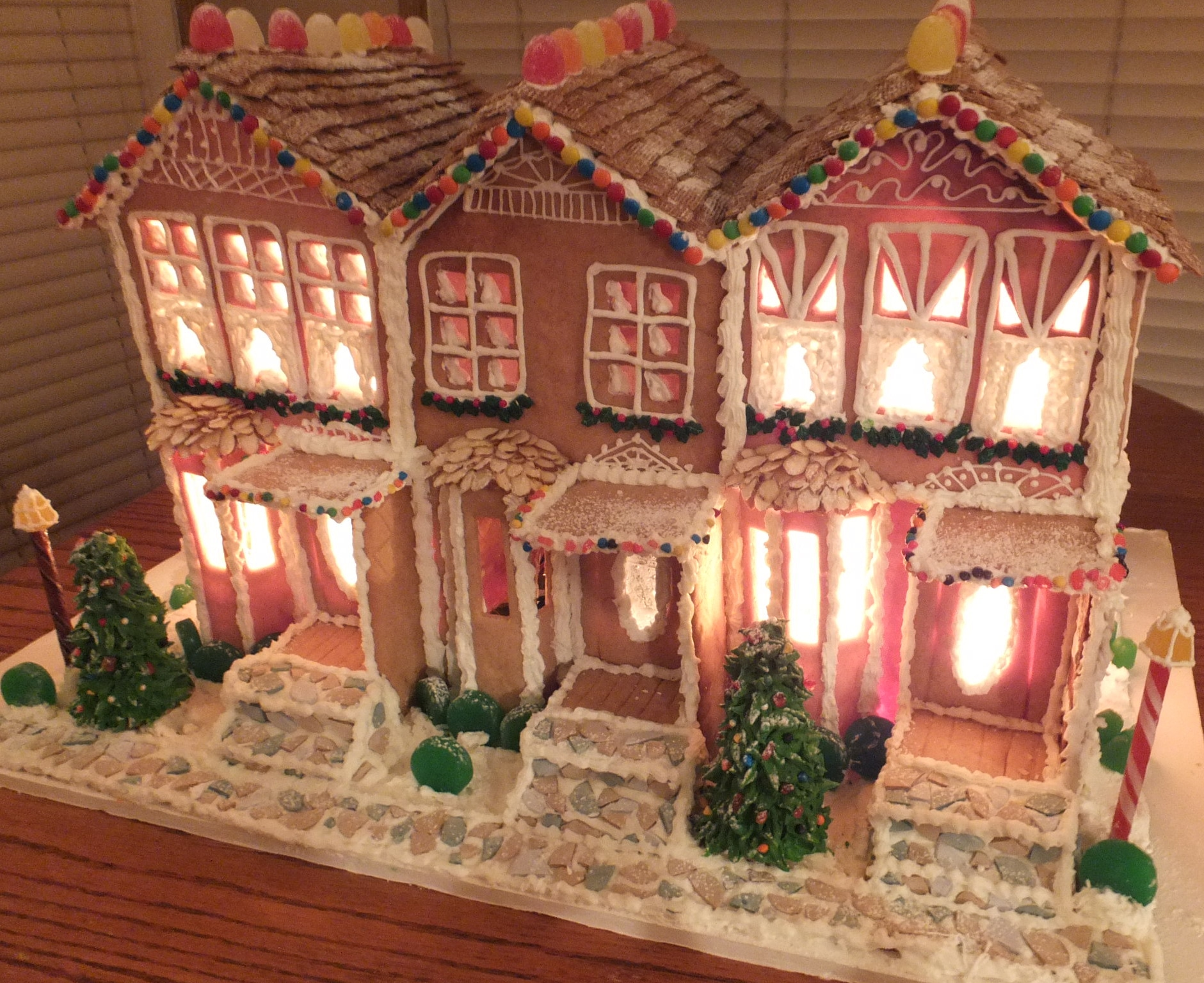 Gingerbread house5 - done