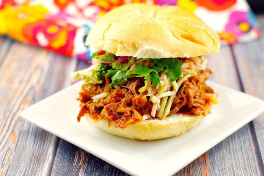 Slow Cooker Pulled Pork on a bun | #crockpotpulledpork- Foodmeanderings.com
