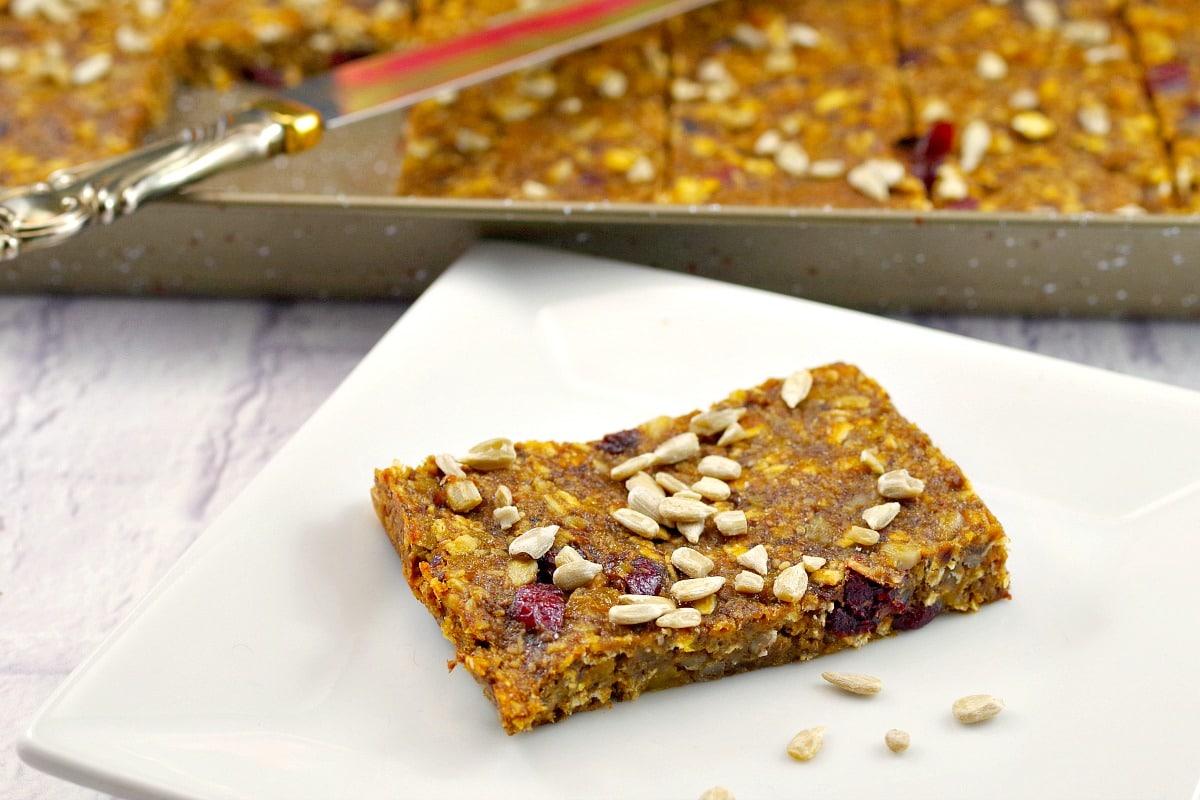 Healthy Fruit & Oatmeal bars | vegan - Foodmeanderings.com