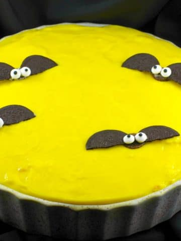 Inside out Boston Cream pie with bats | no bake