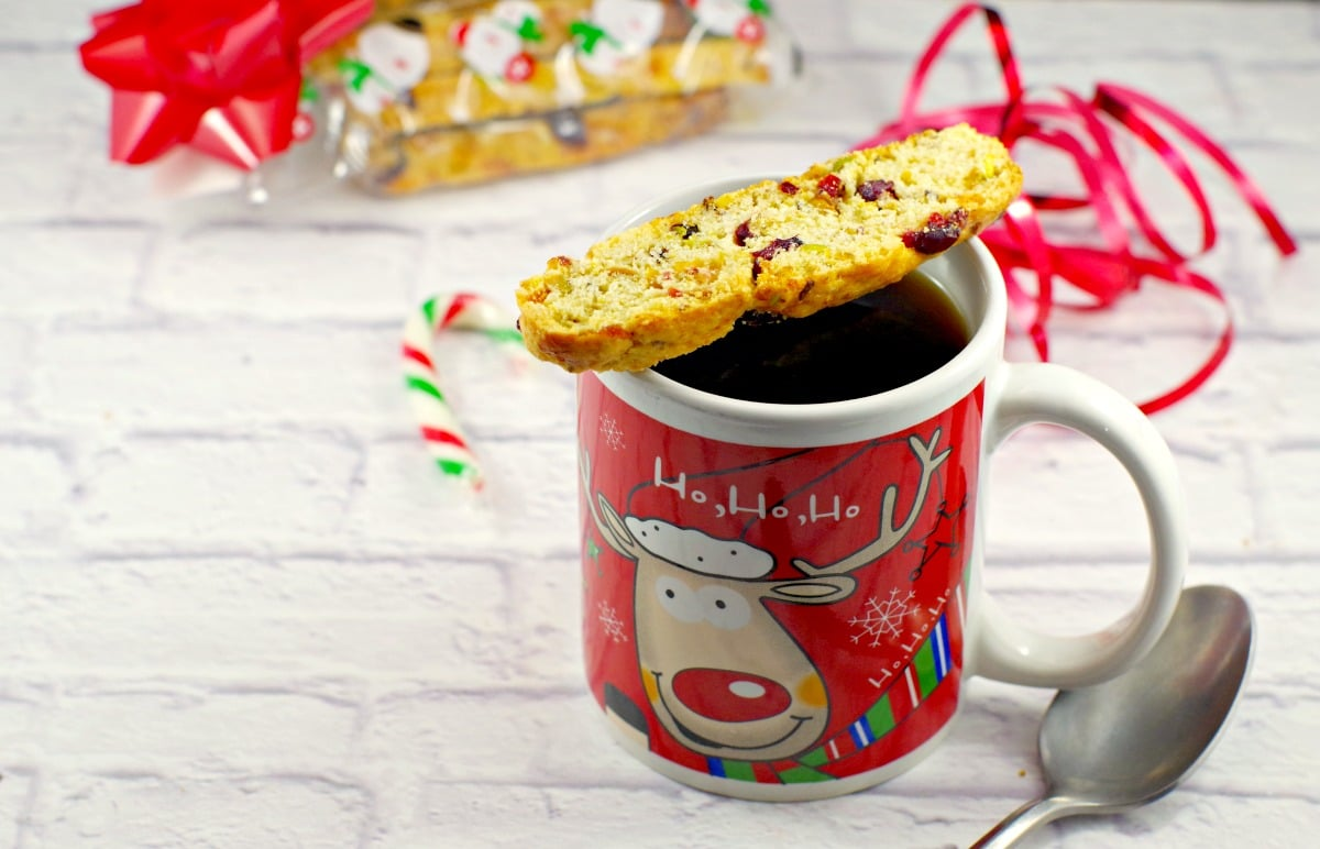 Biscotti cookie recipe | with cranberries and pistachio - foodmeanderings.com