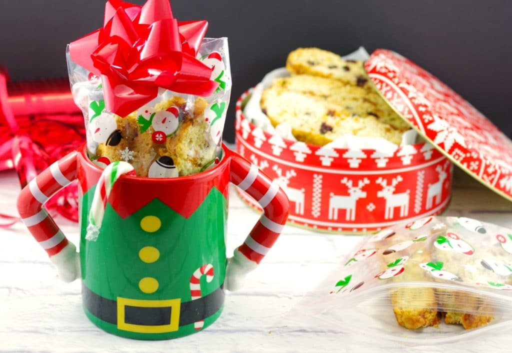 Holiday Biscotti Cookie | cranberry & pistachio - foodmeanderings.com