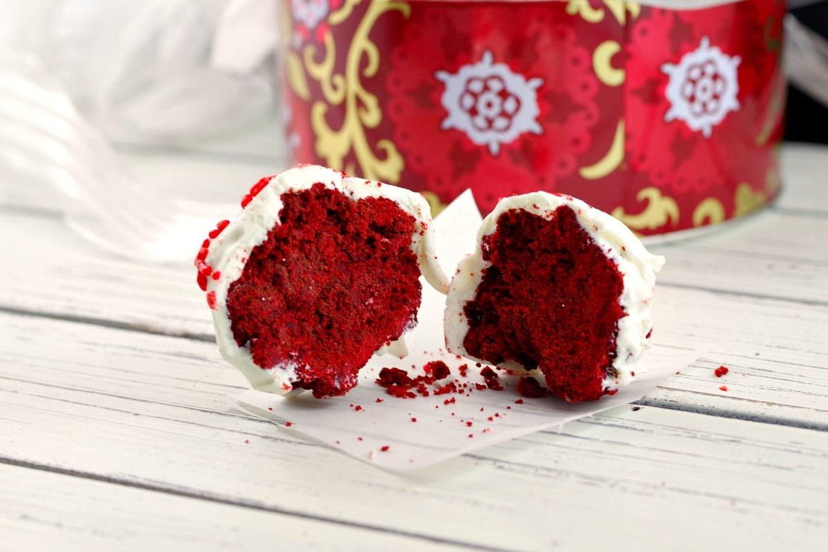 Red Velvet Brownie Bites - foodmeaderings.com