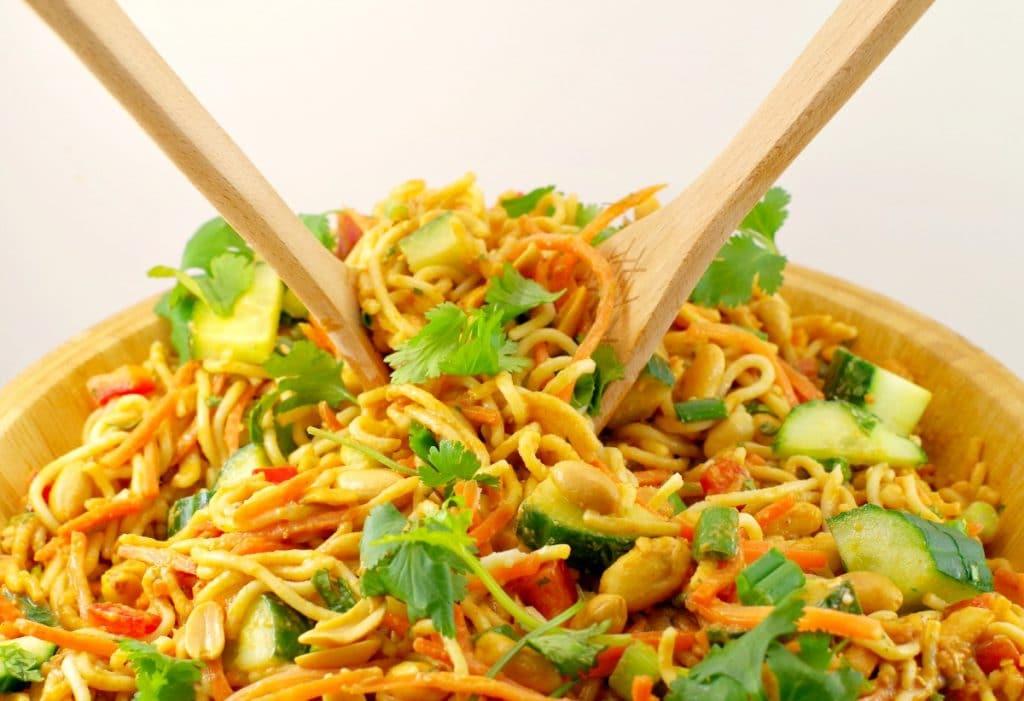 Vegan Sriracha Peanut Pasta Salad
