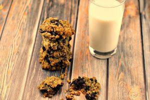 Saskatoon berry cookies | juneberry - Foodmeanderings.com