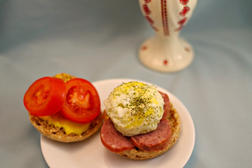 ukrainian-egg-breakfast-sandwich