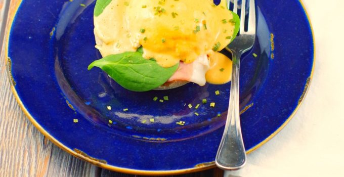 15 MINUTE EggsBenedict with Artichoke & Roasted Red Pepper Hollandaise Sauce: The Perfect Mother's Day Brunch