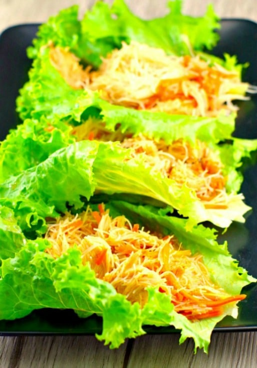 Easy Sriracha Chicken Lettuce Wraps | #chickenbreast recipe, #lettucewraps - Foodmeanderings.com