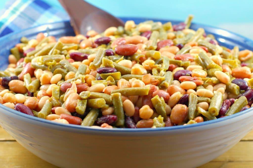 Easy Bean Salad (Vegan) #bean salad #vegan | foodmeanderings.com