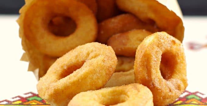 Pampushky – Mini Ukrainian doughnuts (Carnival-style)