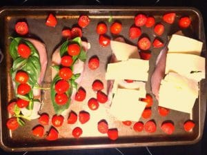 Caprese Sheet Pan Chicken Breast | #chickenbreastrecipe, #ovenbakechicken