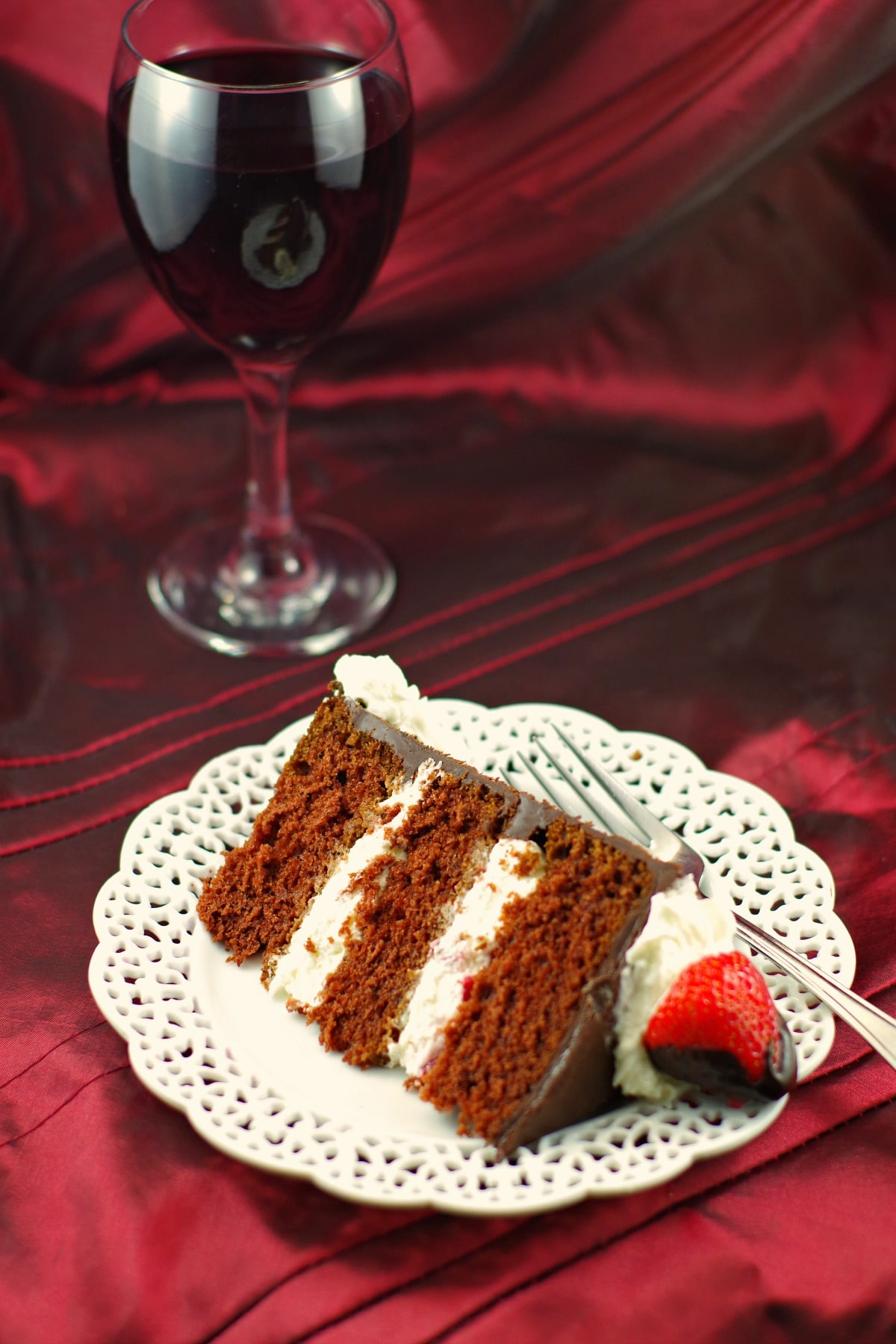 Red Wine Strawberry Chocolate Fudge Cake Food Meanderings