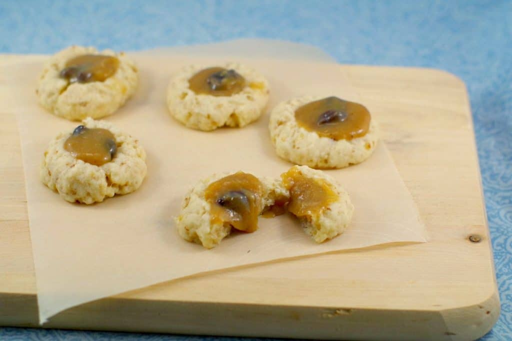 Butter Tart Cookies recipe |easy butter tart filling - Foodmeanderings.com