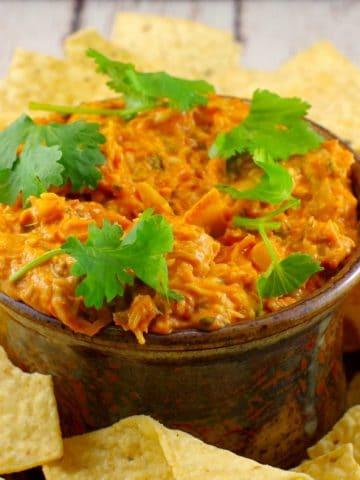 Warm artichoke pizza dip |game day food - Foodmeanderings.com