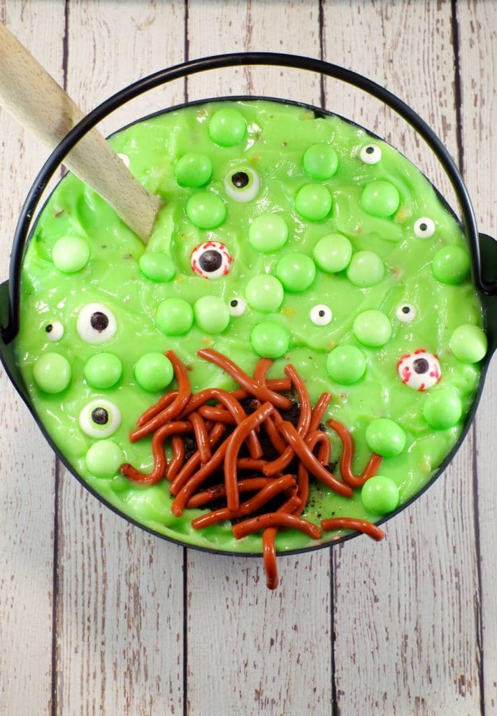 Witches Brew Halloween Trifle | #halloweendessert - Foodmeanderings.com