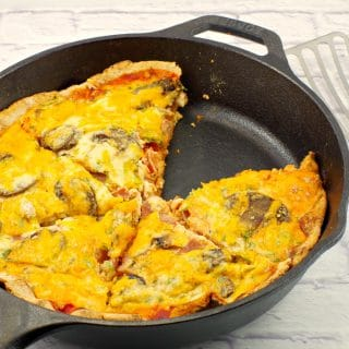 Healthier egg white breakfast pizza - Foodmeanderings.xom