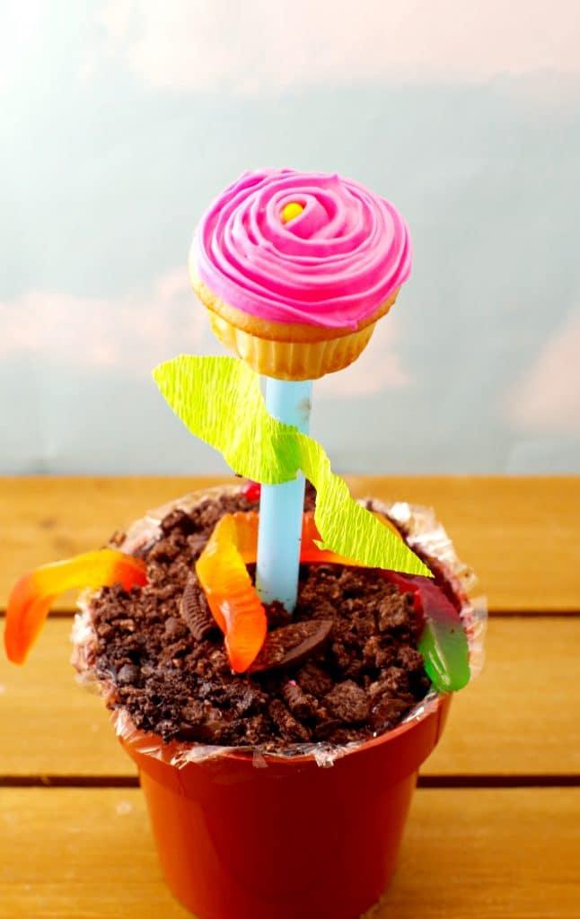 Flower cupcake edible craft & Cupcake Flower Pots | kids DIY Mother\u0027s Day gift - Food Meanderings