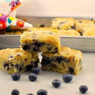 Healthy & Light Blueberry Cornbread: Weight Watchers friendly