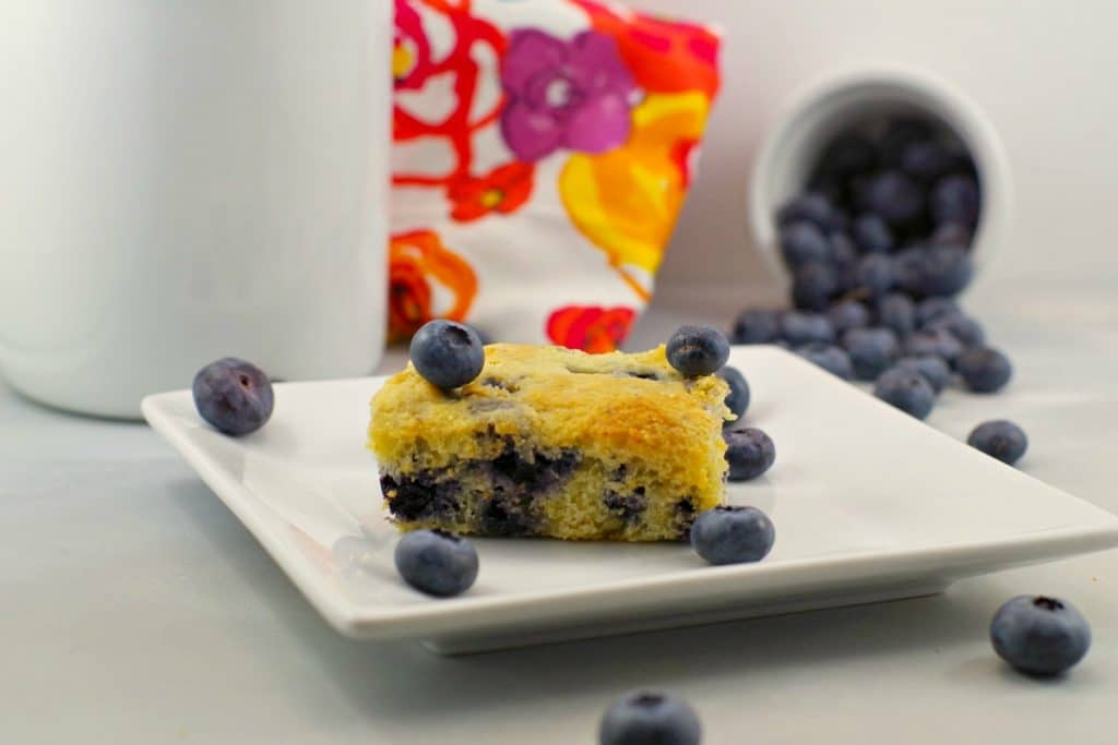 Weight Watchers Blueberry cornbread | healthy