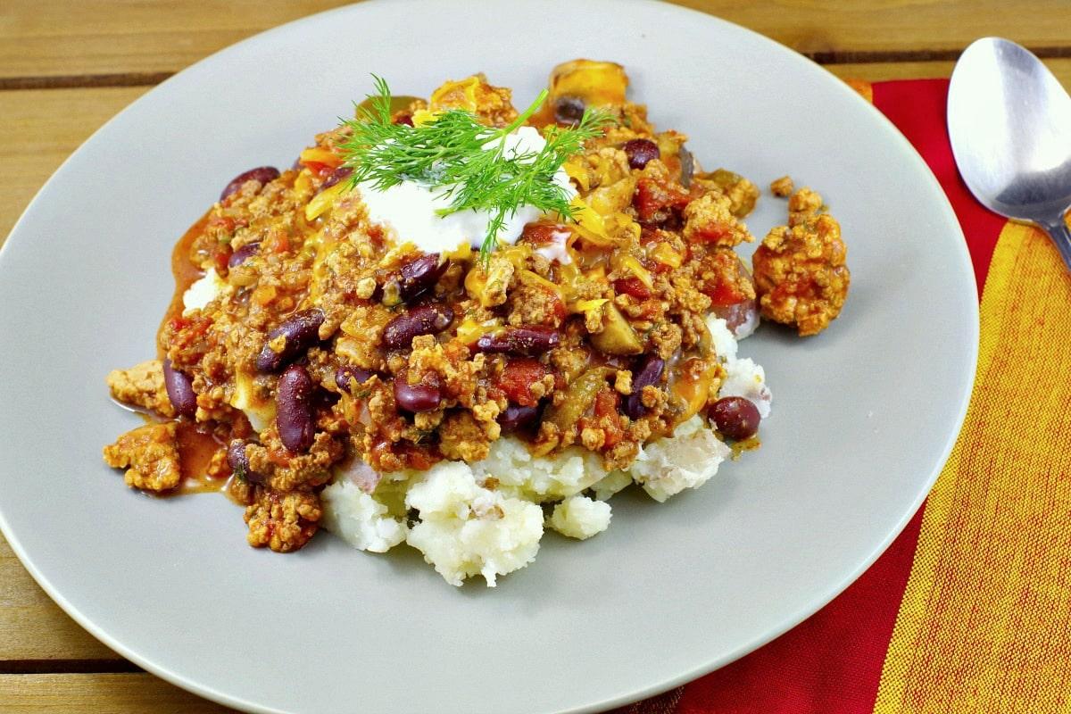 Simple Pork & Beef Chili Recipe - foodmeanderings.com