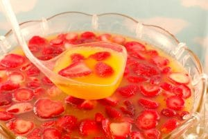 Sparkling Strawberry Party Punch | non alcoholic- foodmeanderings.com