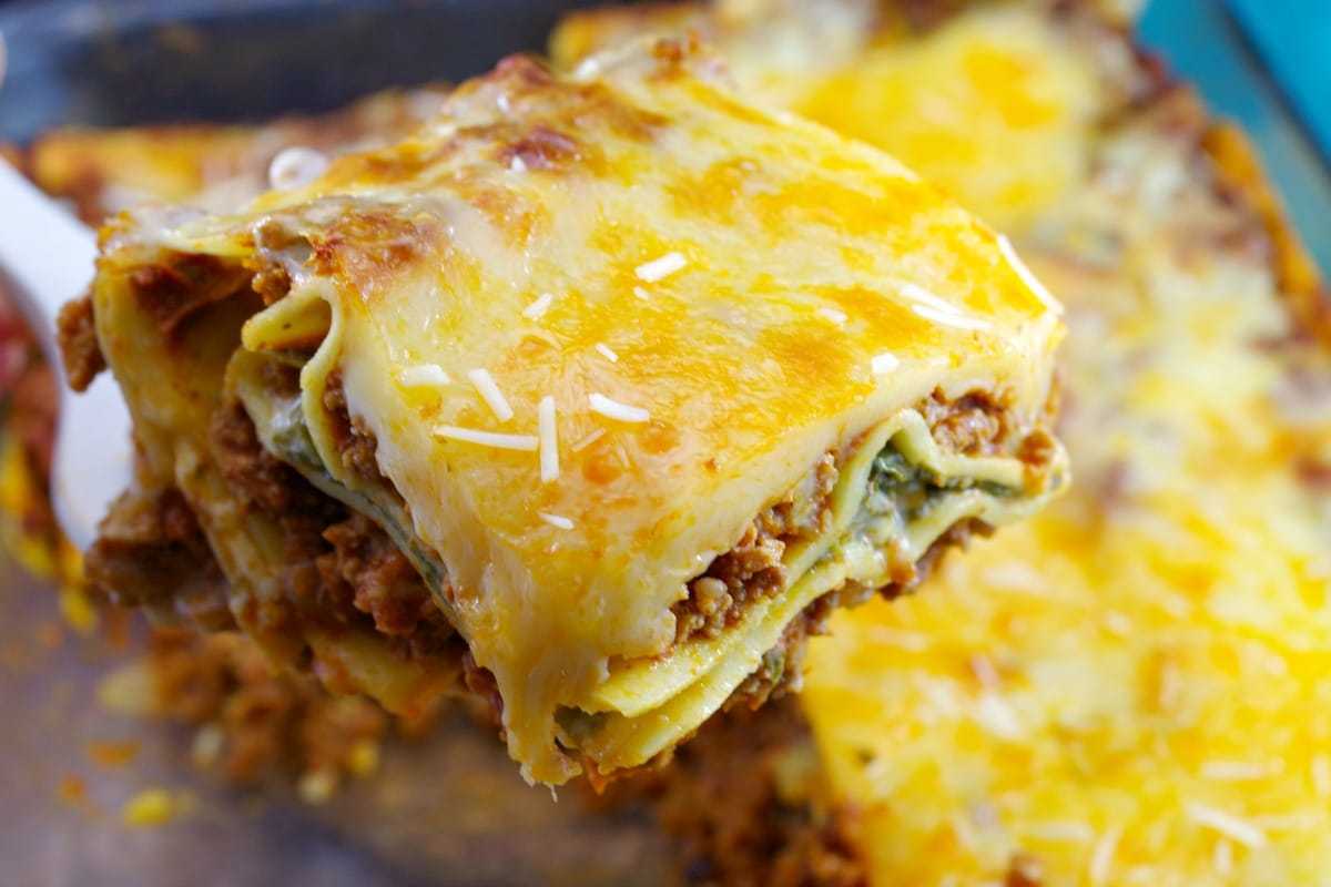Easy Meat Lasagna Recipe | no boil lasagna noodles - foodmeanderings.com