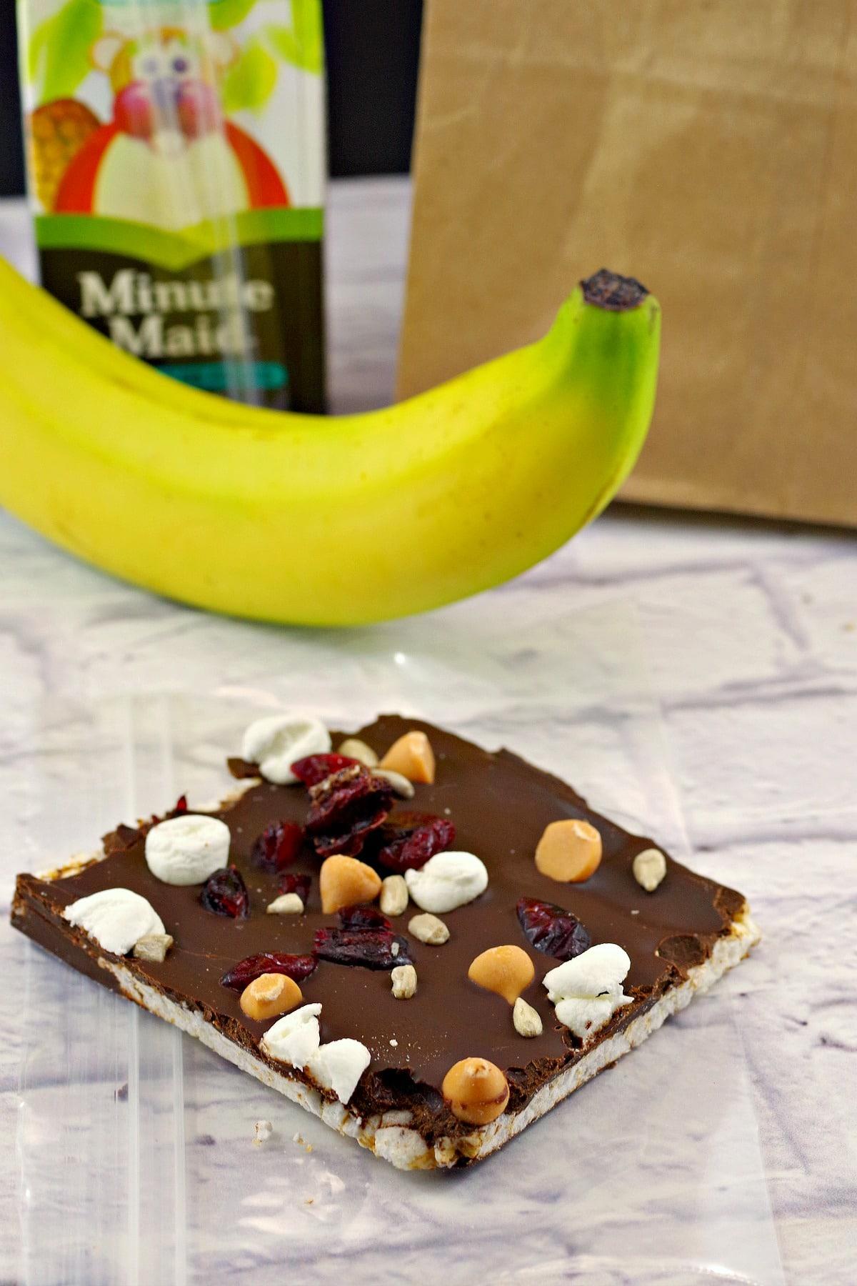 Healthy No Bake Chocolate Dessert - Rocky Road Bar #wwrecipes #healthychocolate