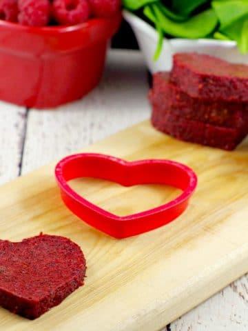 Homemade Jello | heart-shaped healthy fruit and veggie snack