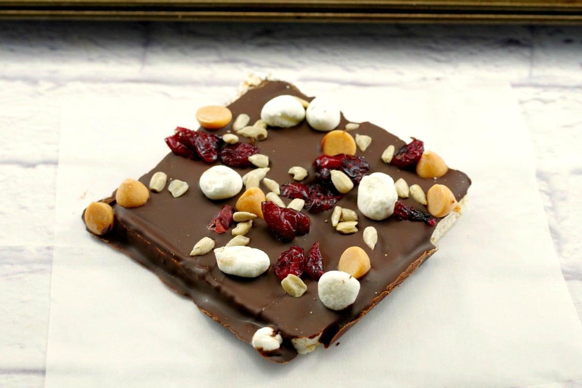 No Bake Healthy Chocolate Rocky Road Bar