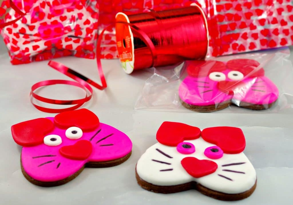 Cat Copkies | Valentine's Day Sugar Cookies