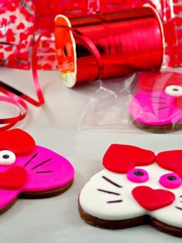 Cat Copkies | Valentine's Day Sugar Cookies