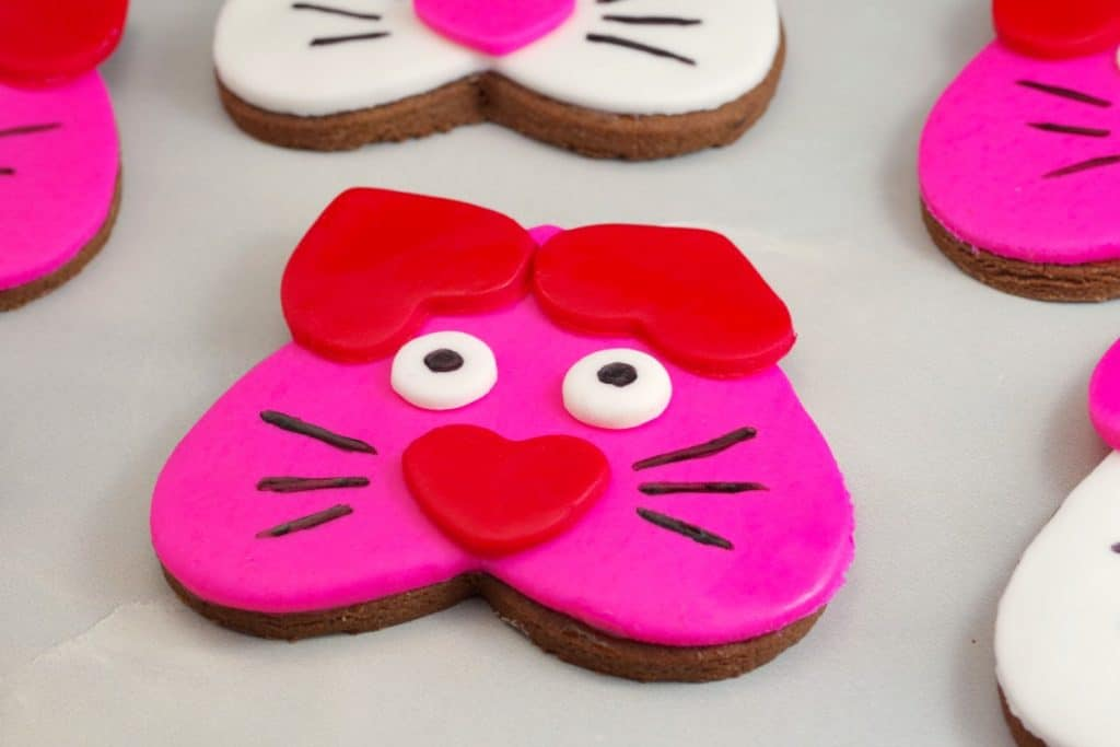 Cat Cookies - Valentine's Day heart-shaped cookies