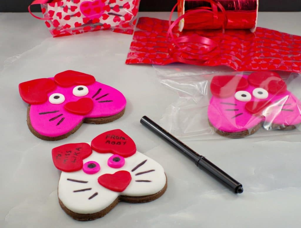 Cat Cookies - heart-shaped edible Valentine