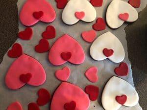Cat cookie decorating Step3