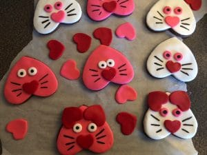 Cat Cookie decorating - Step 5