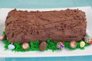 grass piped around cake